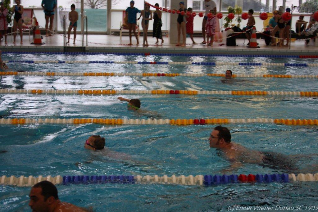 2015-12-06-Weihnachtsschwimmen-78.jpg