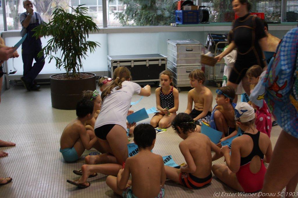 2015-12-06-Weihnachtsschwimmen-83.jpg