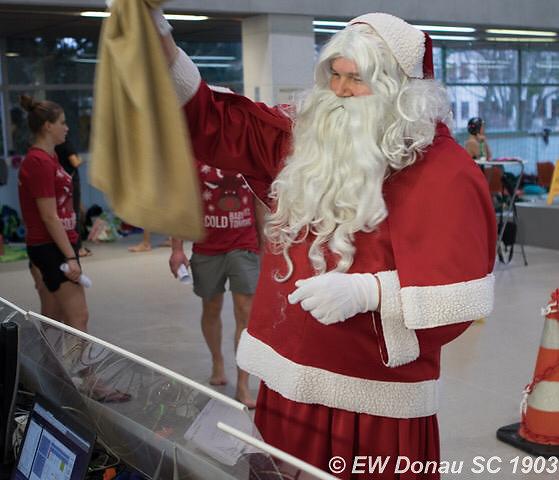 wrweihnachtsschwimmen2018-9-von-16.jpg